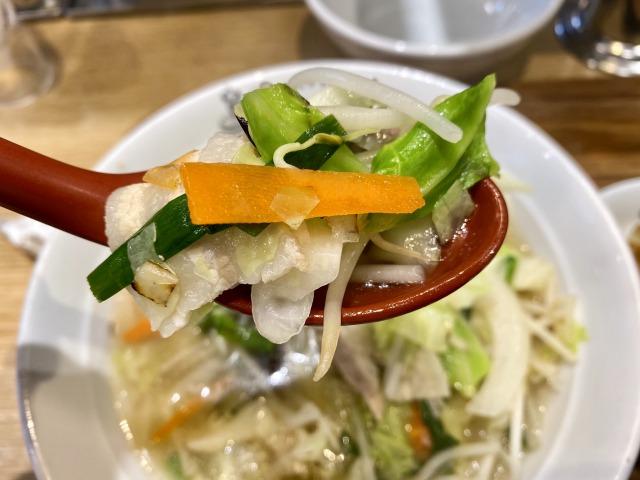 れんげ食堂Toshuの野菜スープのアップ