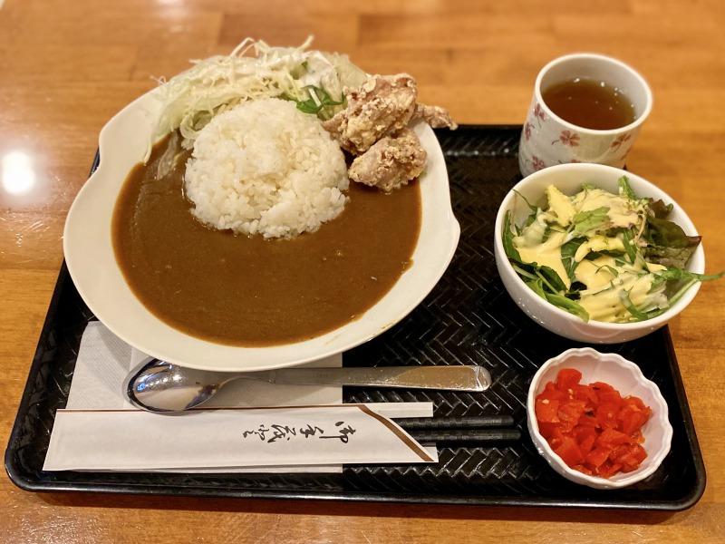 浜田山のまる菜の鶏唐揚げカレーライス(全体)