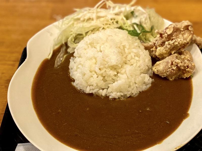 浜田山のまる菜の鶏唐揚げカレーライス(アップ)