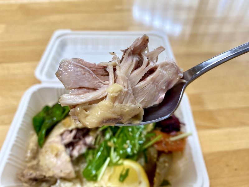 どろまみれ浜田山店のカオマンガイの鶏肉