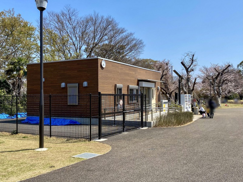 高井戸公園のサービスセンター
