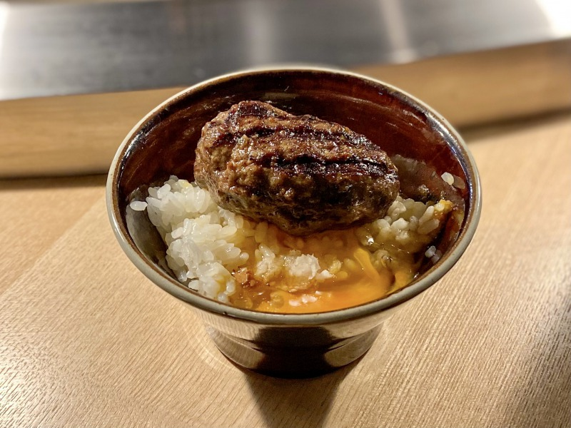 挽肉と米 渋谷店の焼きたてハンバーグ+卵かけご飯